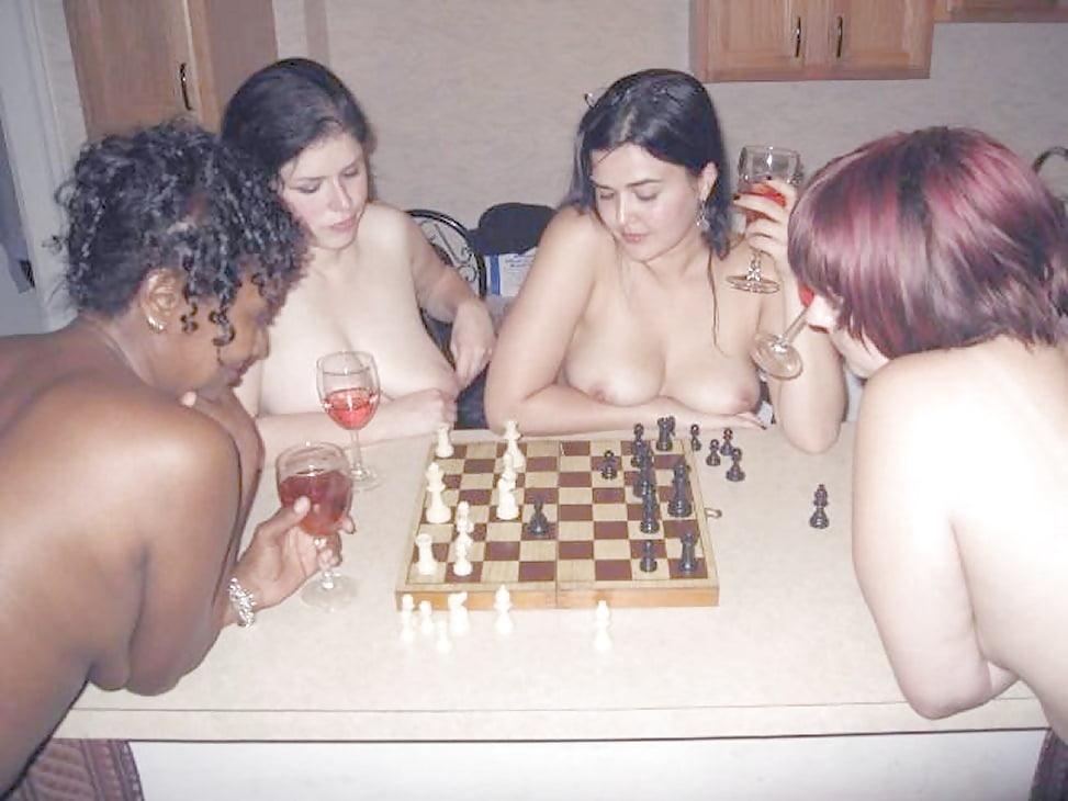 вернулся порно шахматы для айпад можно