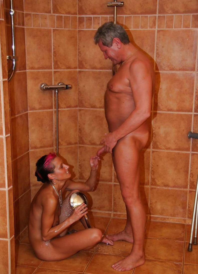 Old man fuck young girl in shower — pic 5