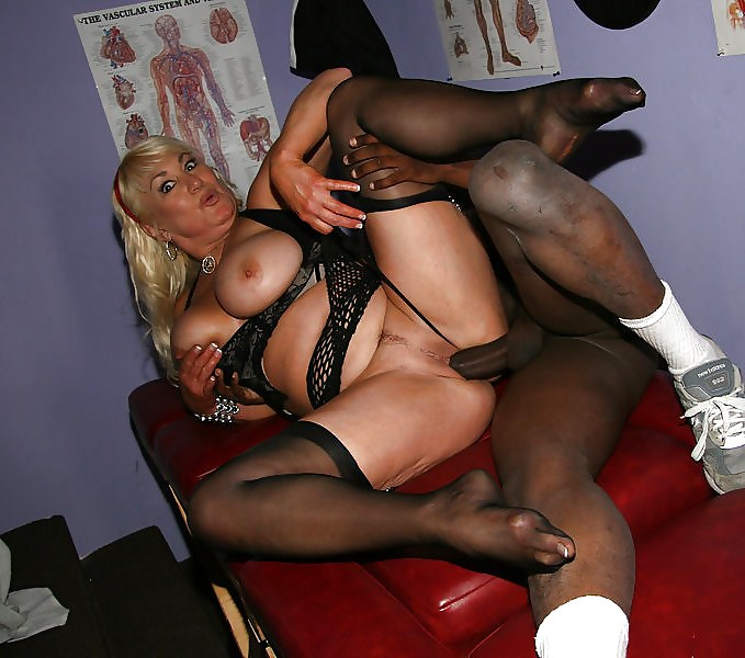 Interracial cuckold wife nylons