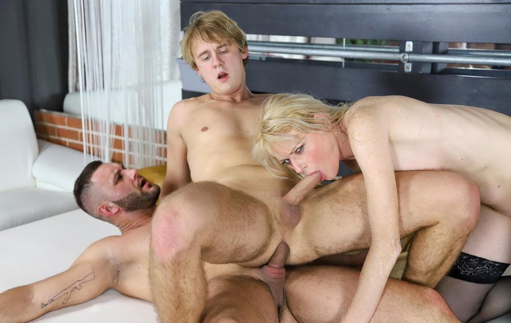 20x Bi Threesome at AdultPrime - 20 Pics