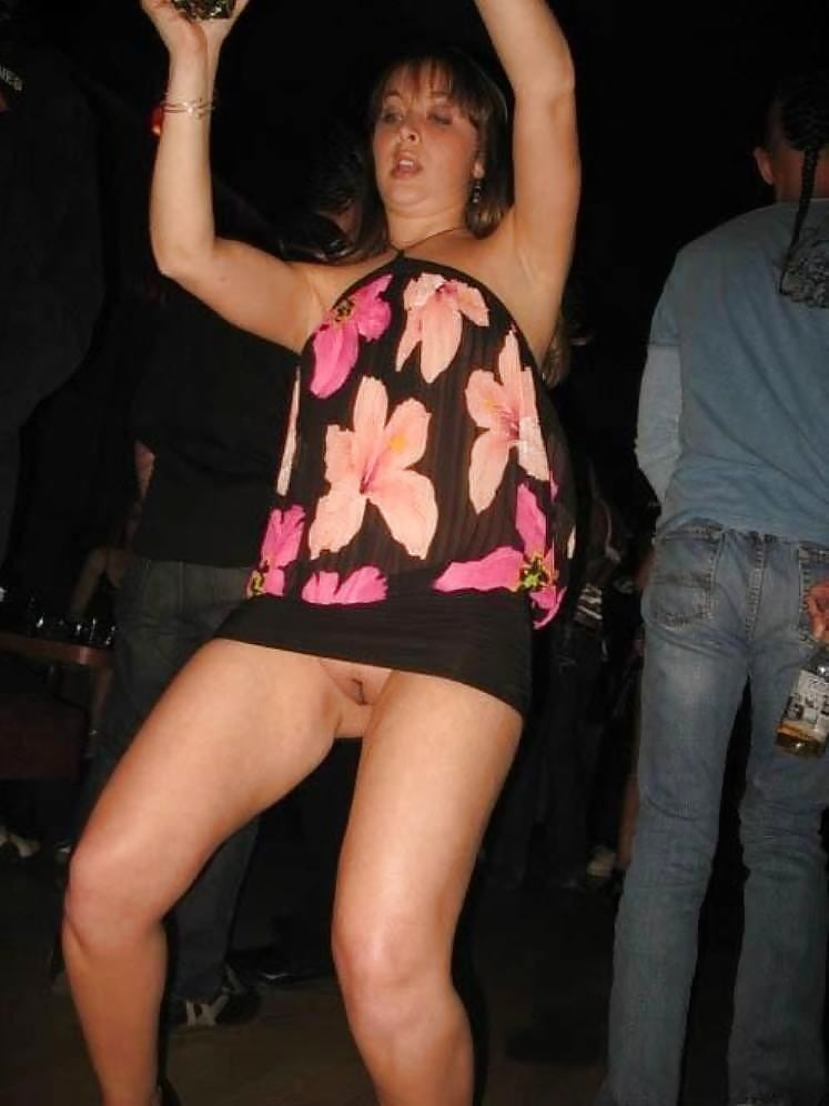 Short skirt no panties equal a great night