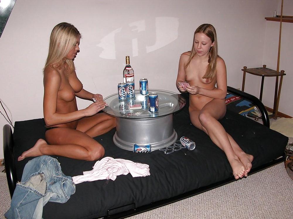 girls-and-boys-playing-strip-poker-couples-sex-blacknakedgirl