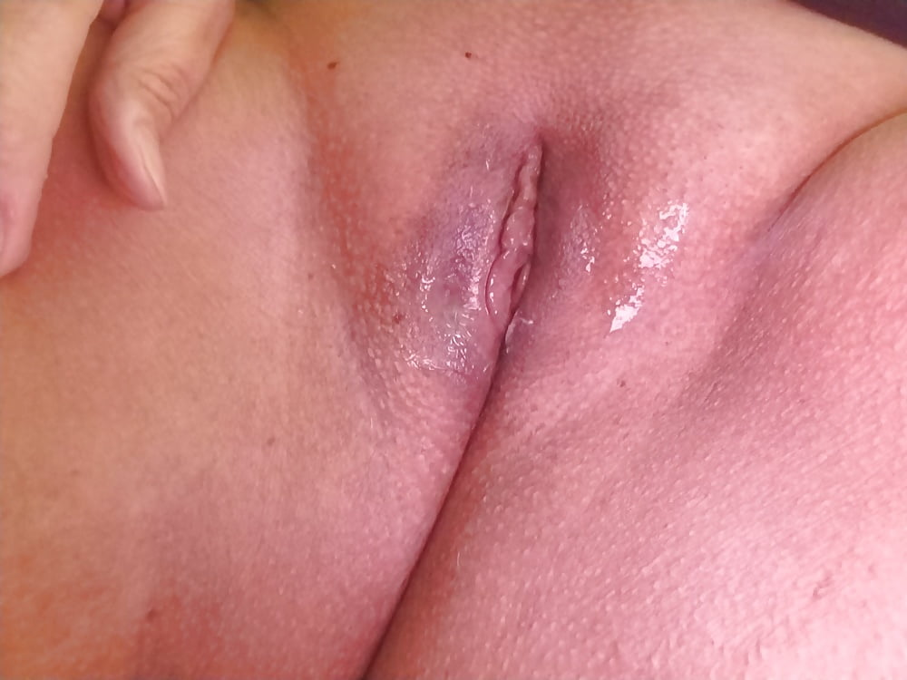 Bald girl pussy — photo 6