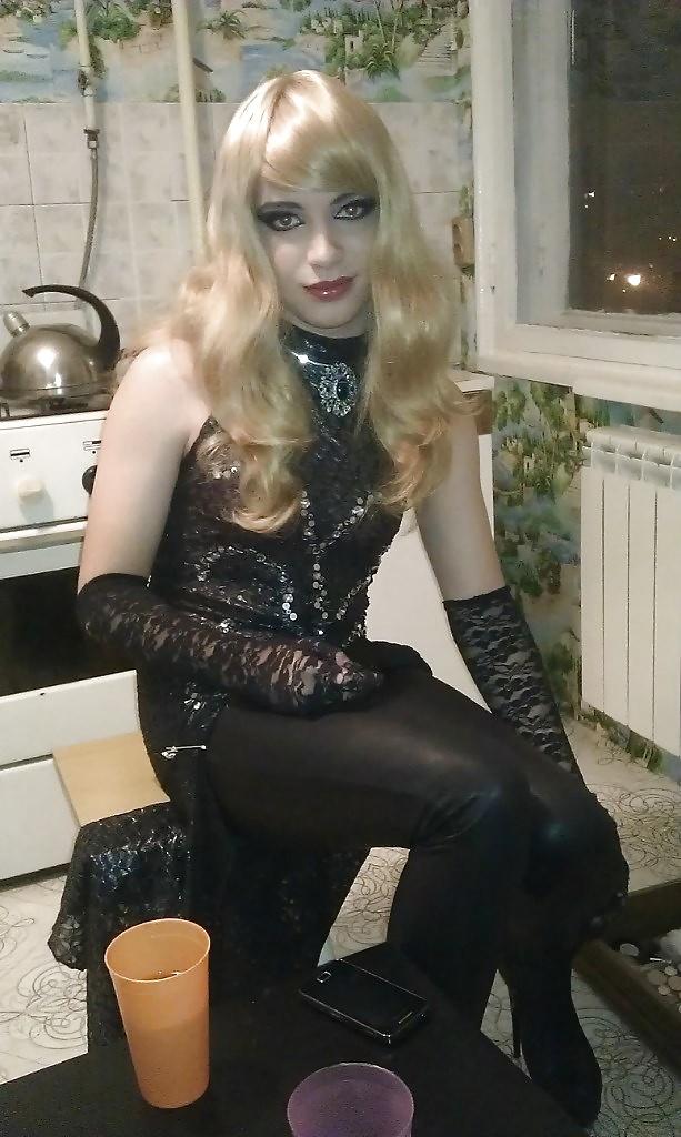 Извращенные фантазии молодых трансвеститов смотреть онлайн, эмили порно сайт