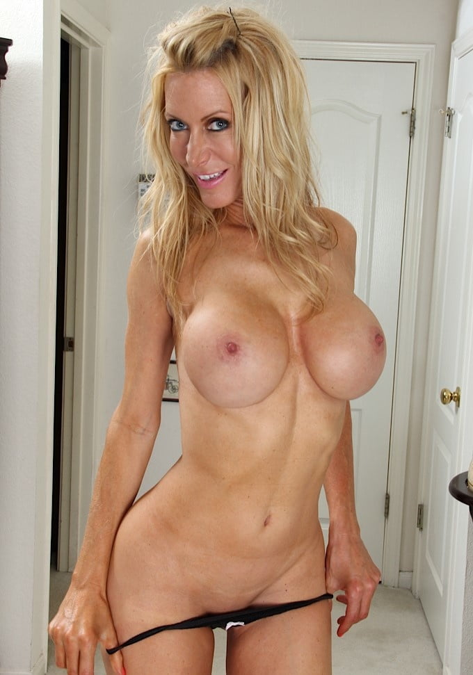 Naked Busty Blonde Cougar