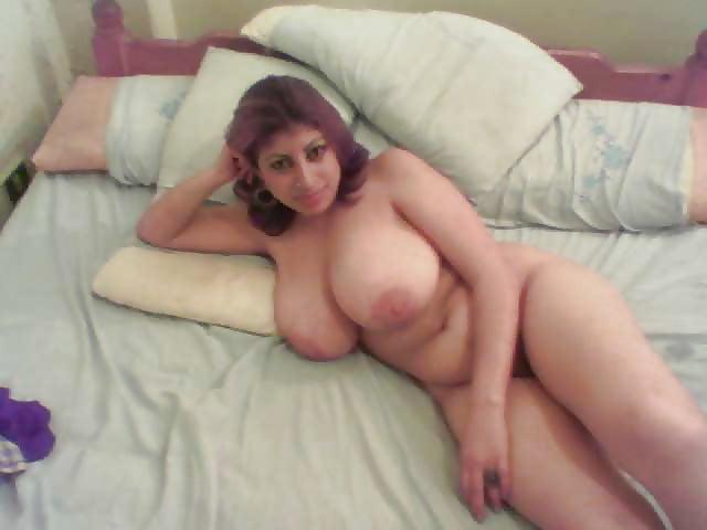 Topless busty nude arab girls