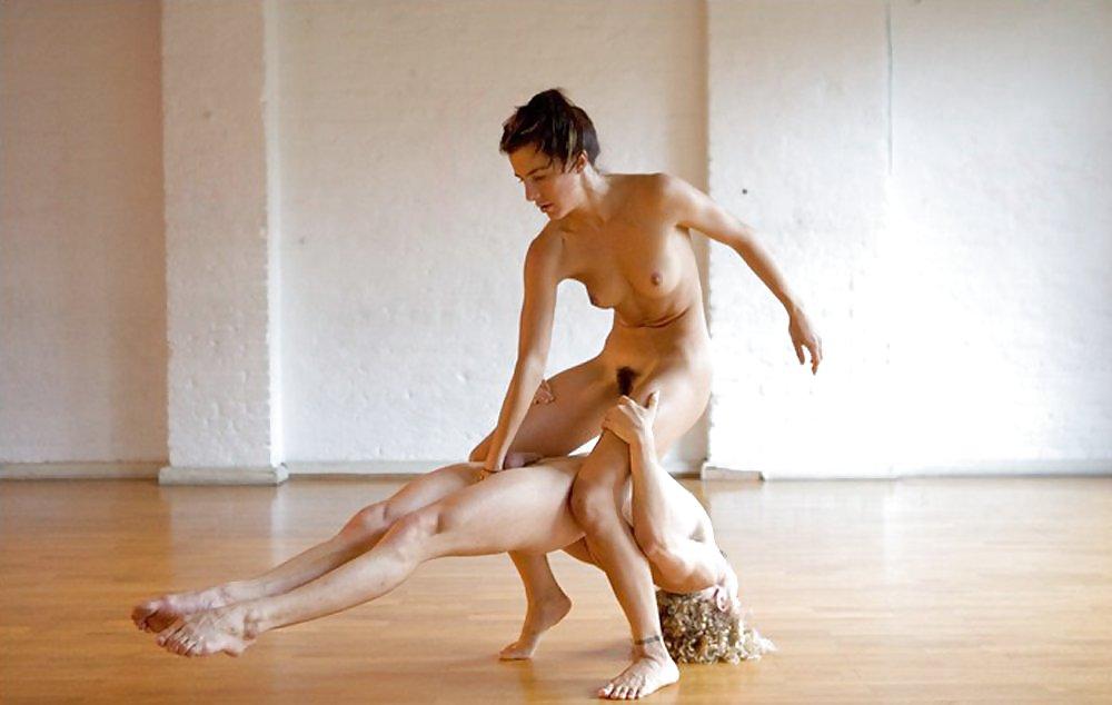 эротический обнаженный танец для парня видео