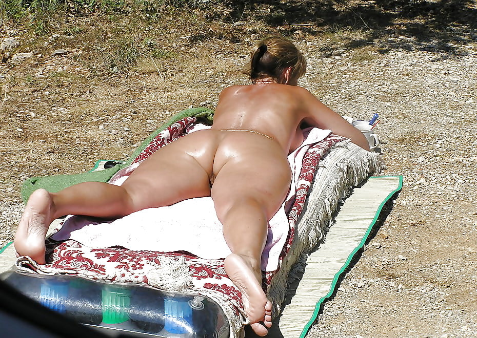 mature-voyeur-pictures-thumbnails-images-of-black-naked-womens-boobs