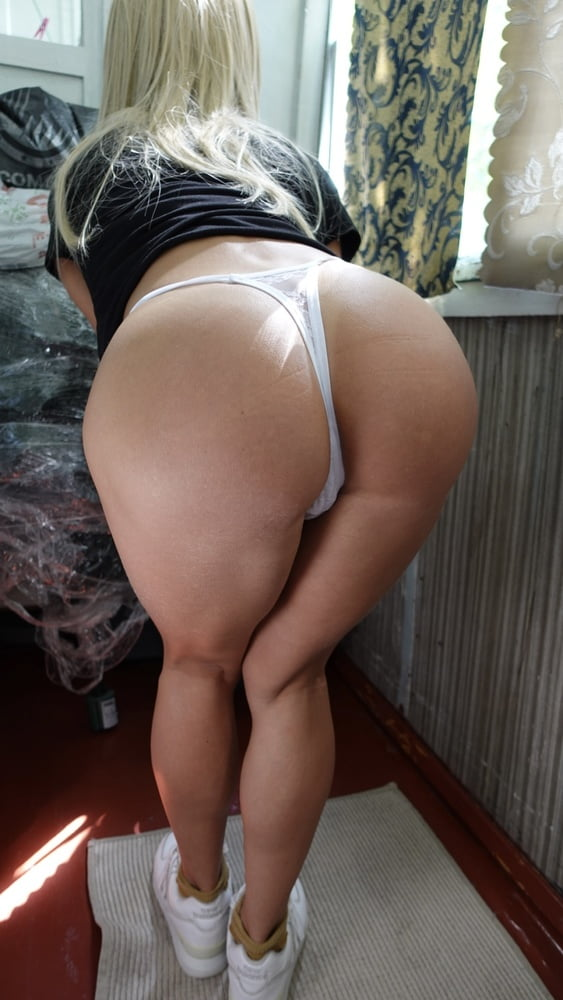 Russian stepmother - 18 Pics