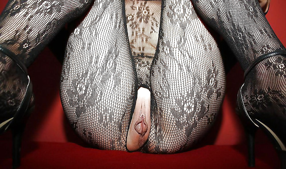 Crotchless bodystocking sex and wet blowjob