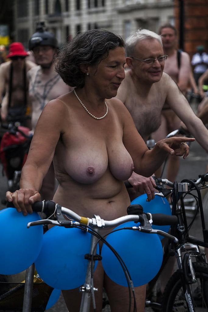 Bike boob pic #11
