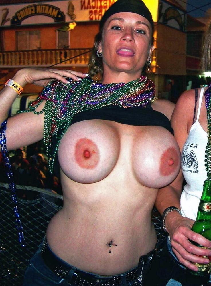 Drunk naked mardi gras girls, gif girl wanking to porn