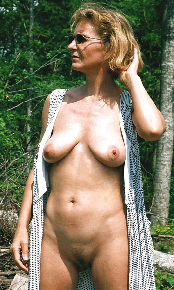 mature-golie-foto-konchili-oba-na-vebku