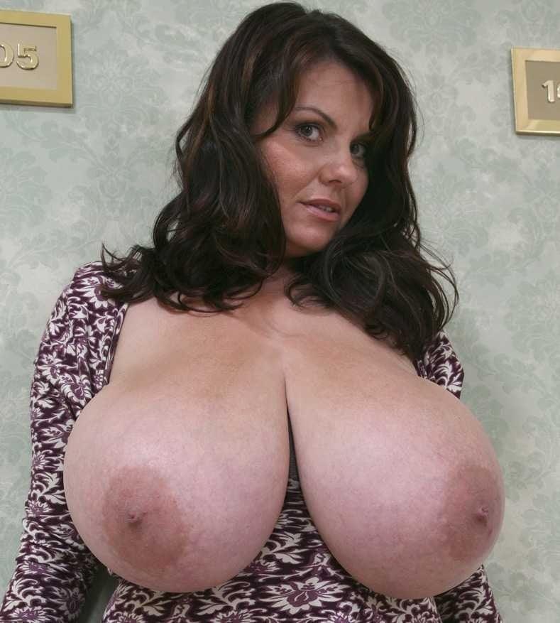 Naked big breast 3 - 178 Pics