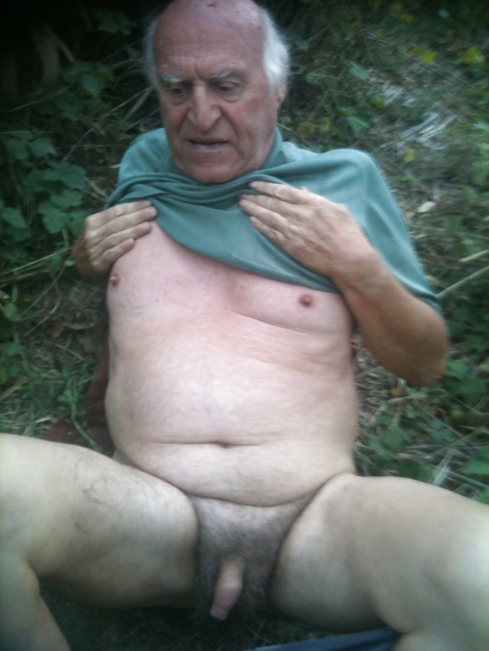 Naked old man with small penis — img 7