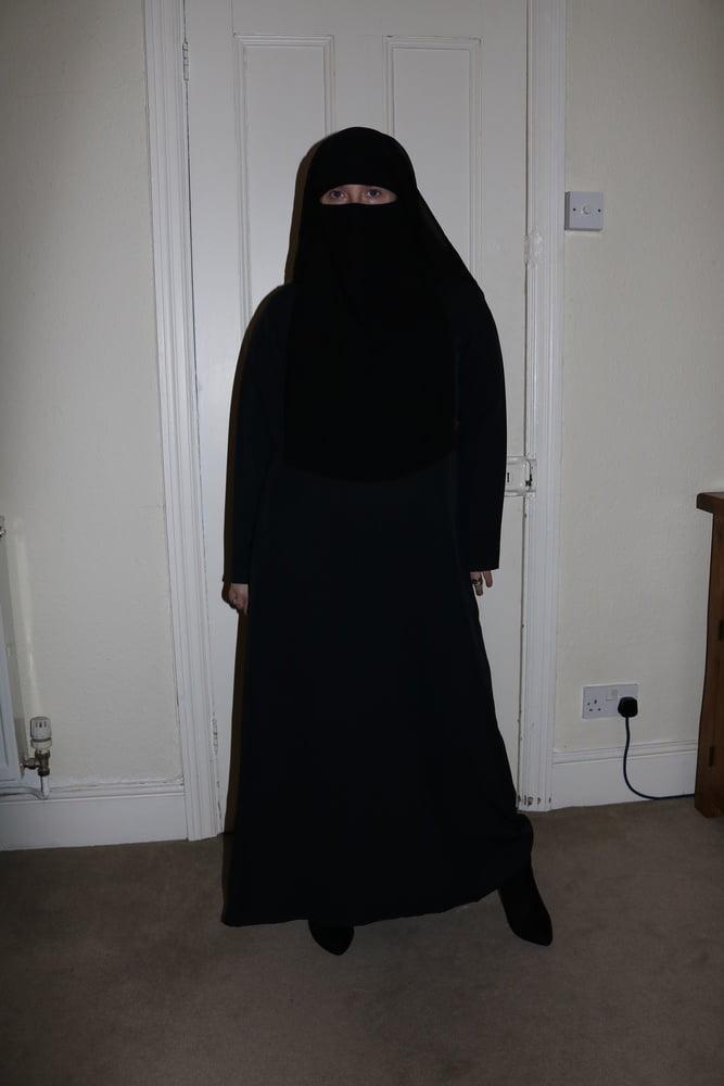 Burqa Niqab Fishnet Pantyhose - 41 Pics