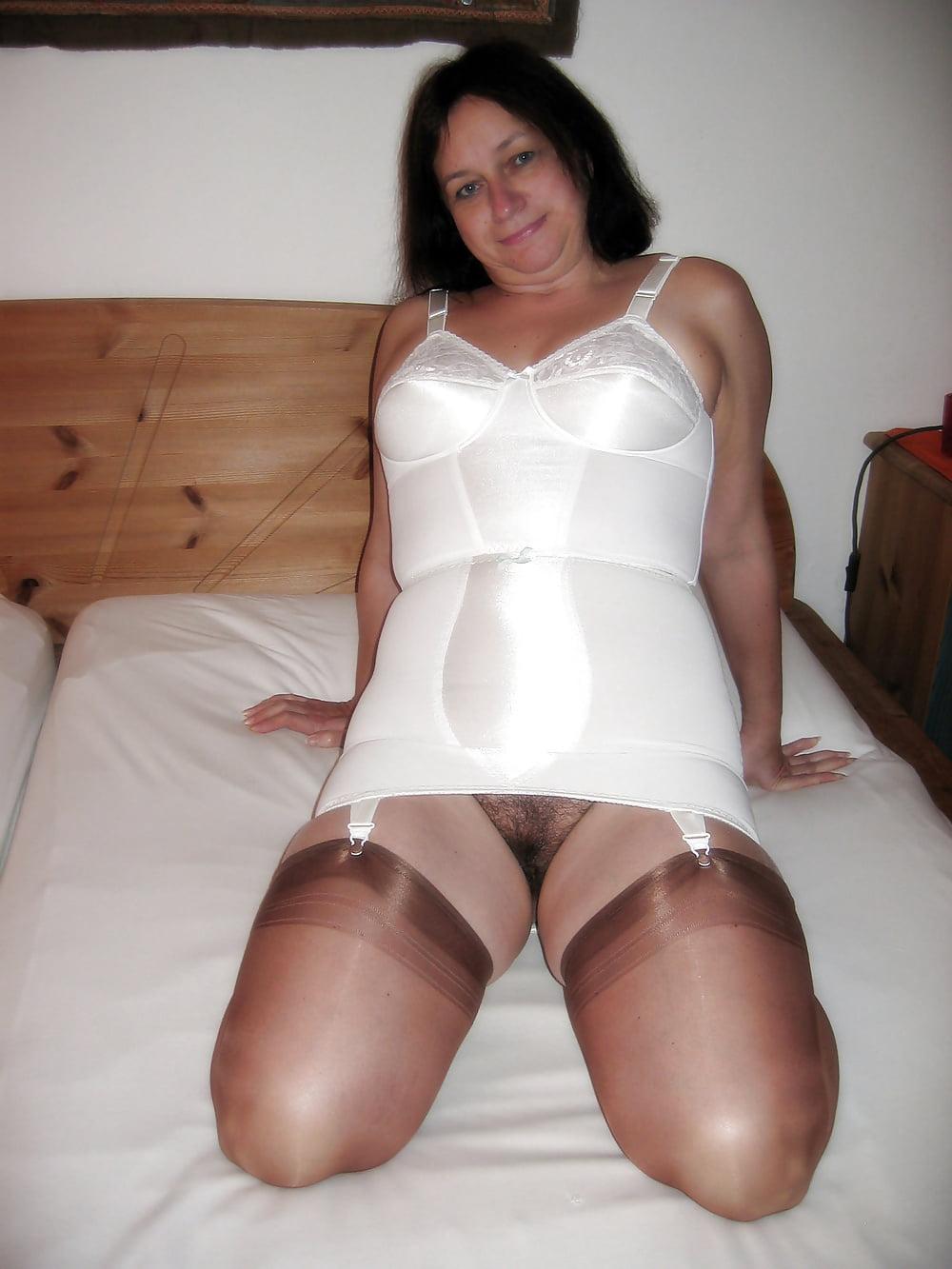 girdle-nude-pics