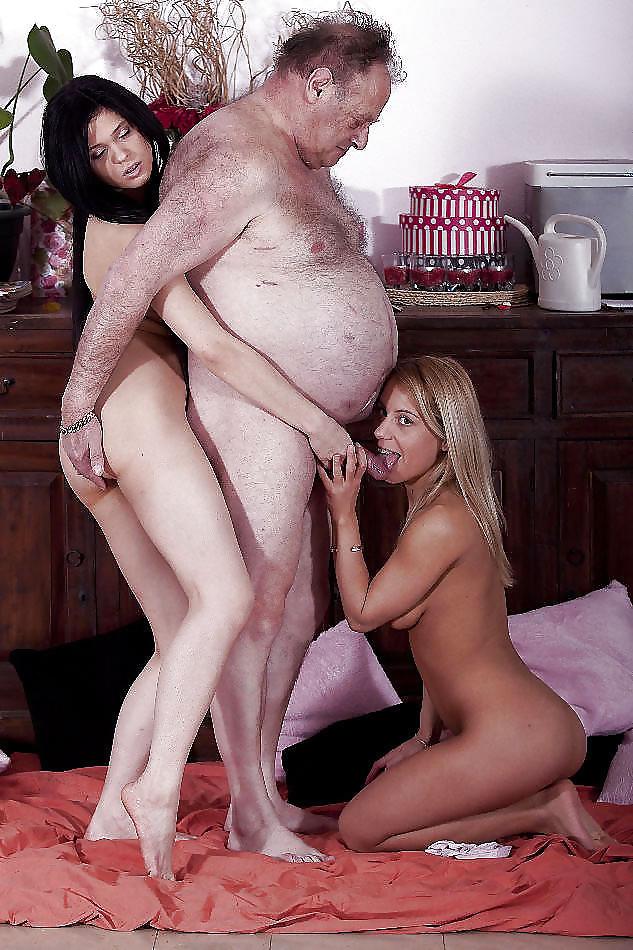 Эротика секс жирные дядьки, голые девки в палатке