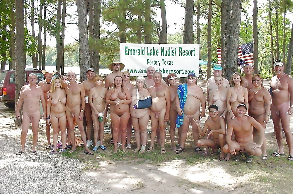 nude-family-at-forest-kennedy