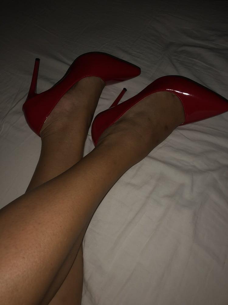 Hairy legs in heels