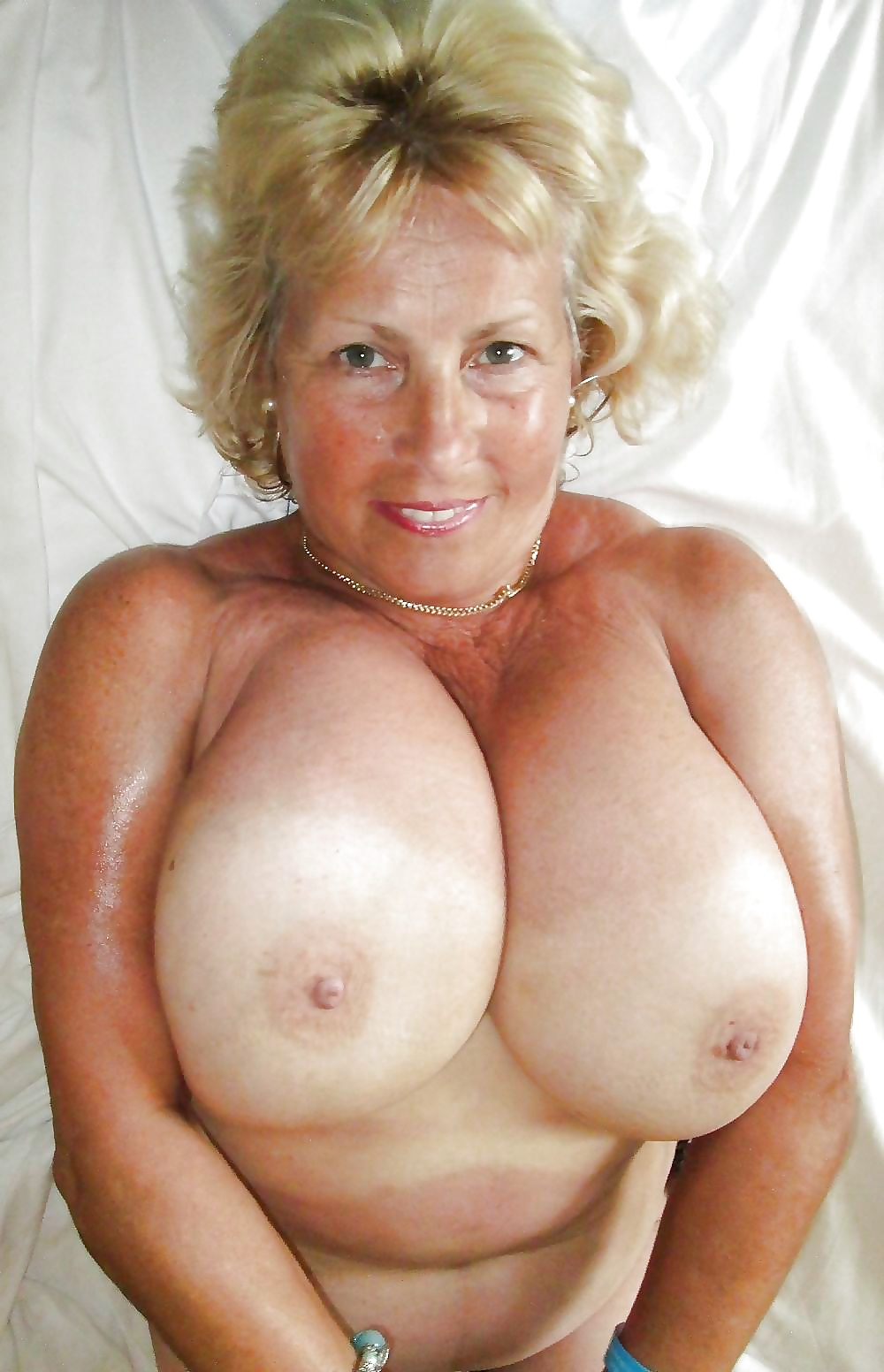 pics-xxx-breasts-granny-photographs-deol-full