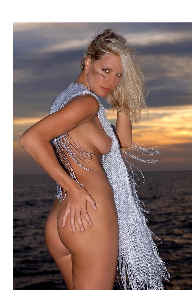Swimwear Enise Van Outen Nude Images