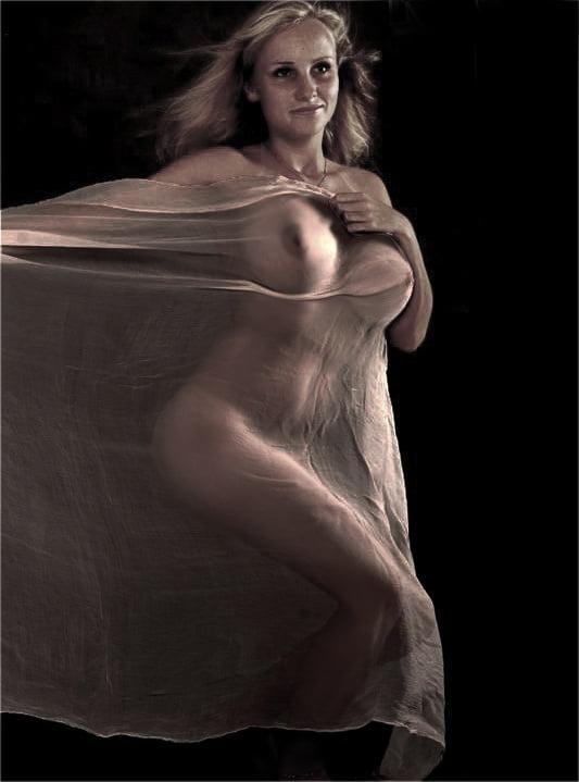 Erotic Nude Art Photography II - 20 Pics
