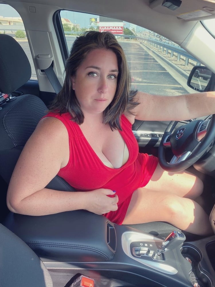 MILF Car Fun- 7 Pics