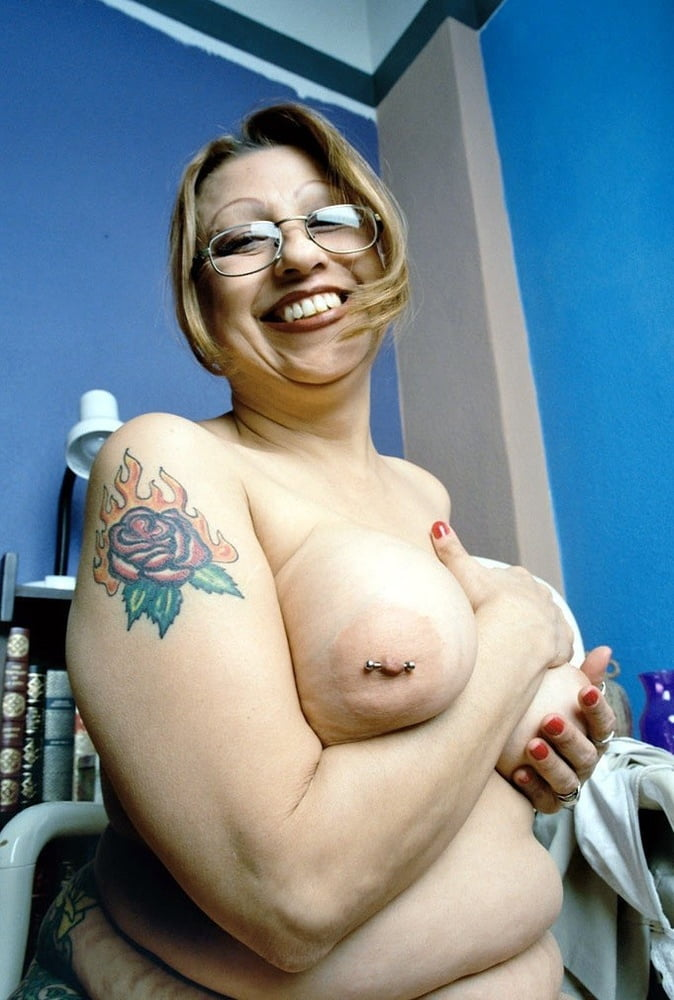 Curvy latina hd