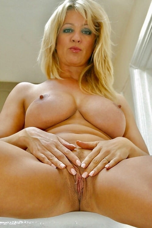 Hot mature babes pussy — img 15