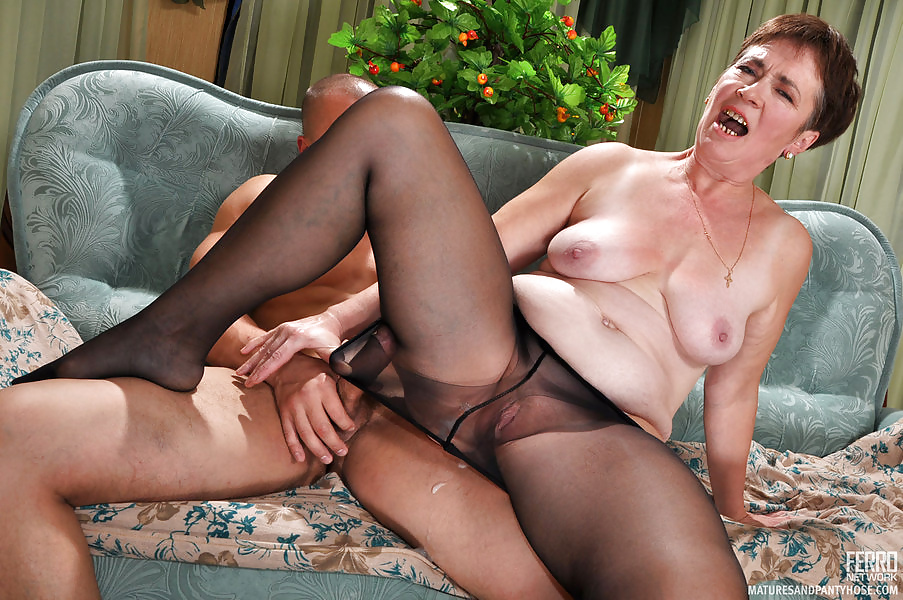 Mature Wife In Pantyhose Fucked