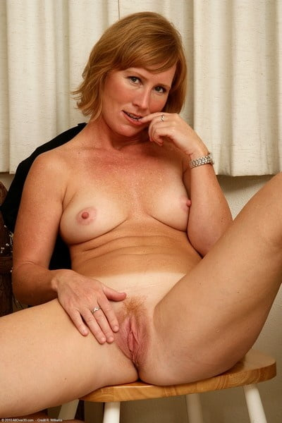 Cum pussy quick Fat mary shows family hairy pussy