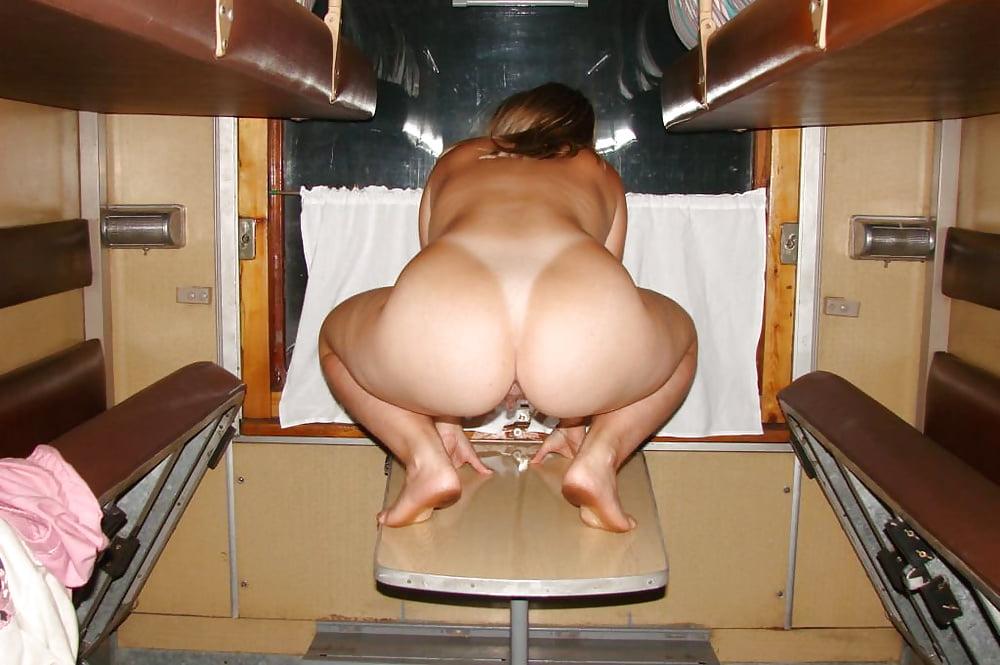 русские голые девушки в поезде нашел красную