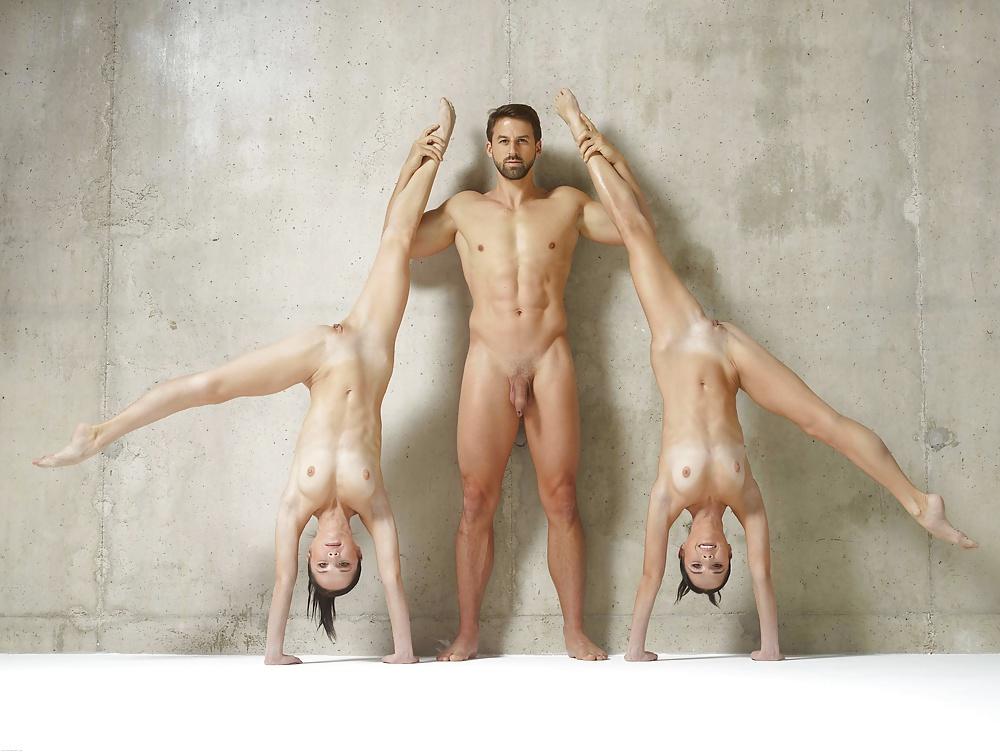 ochen-tolstim-golie-akrobaticheskie-priemi-foto-onlayn