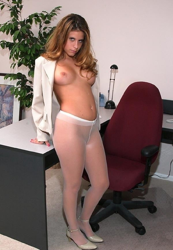 Sexy MILFs in white pantyhose - 224 Pics