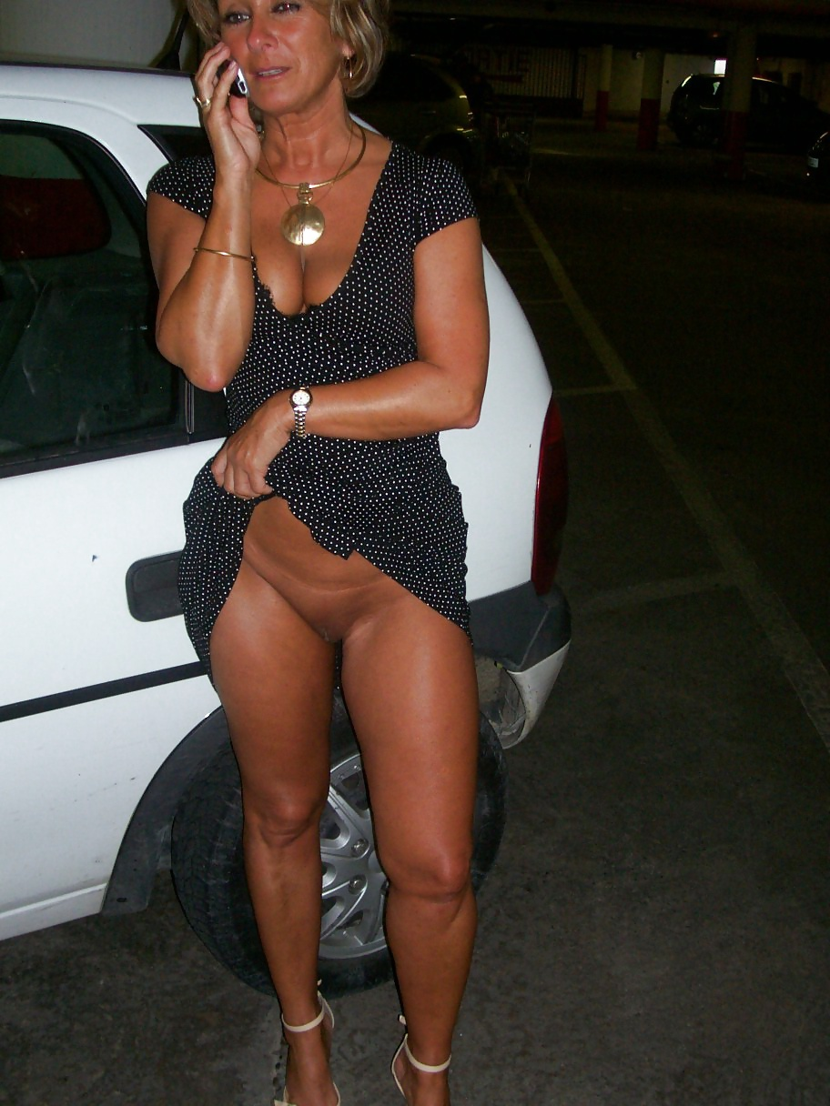 Horny milf analsodomized  outdoors by husband