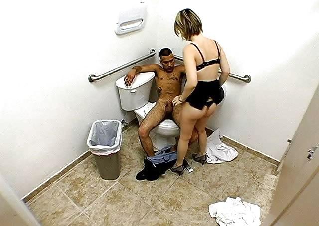 Скрытый камера мужском туалете порно, порно на кухне онлайн русское