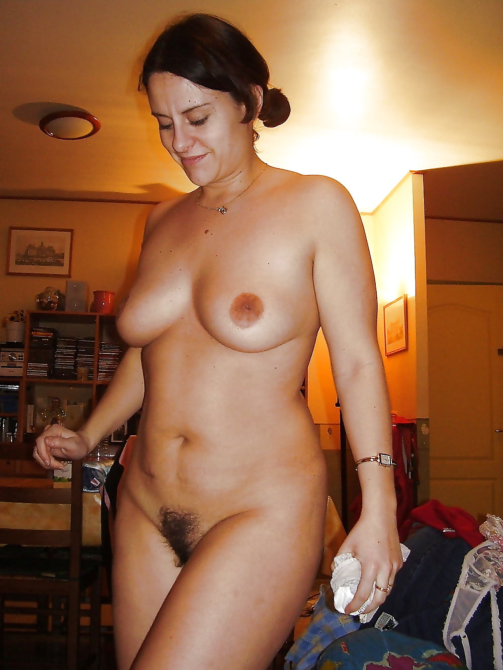 Older Naked Housewives Amateur Pics