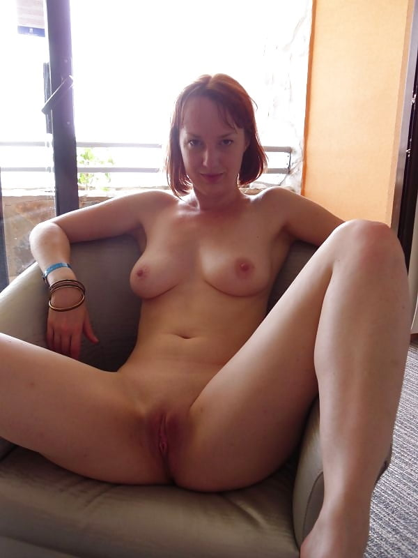 Girlfriend nude outside — pic 1