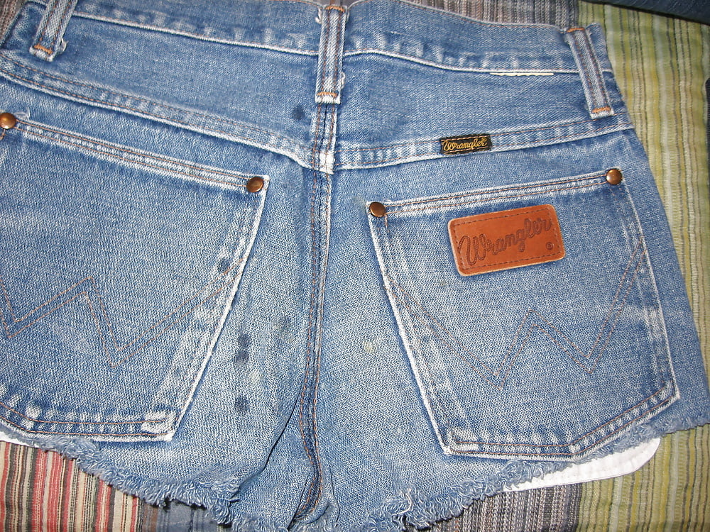 More levis jeans and shorts candids
