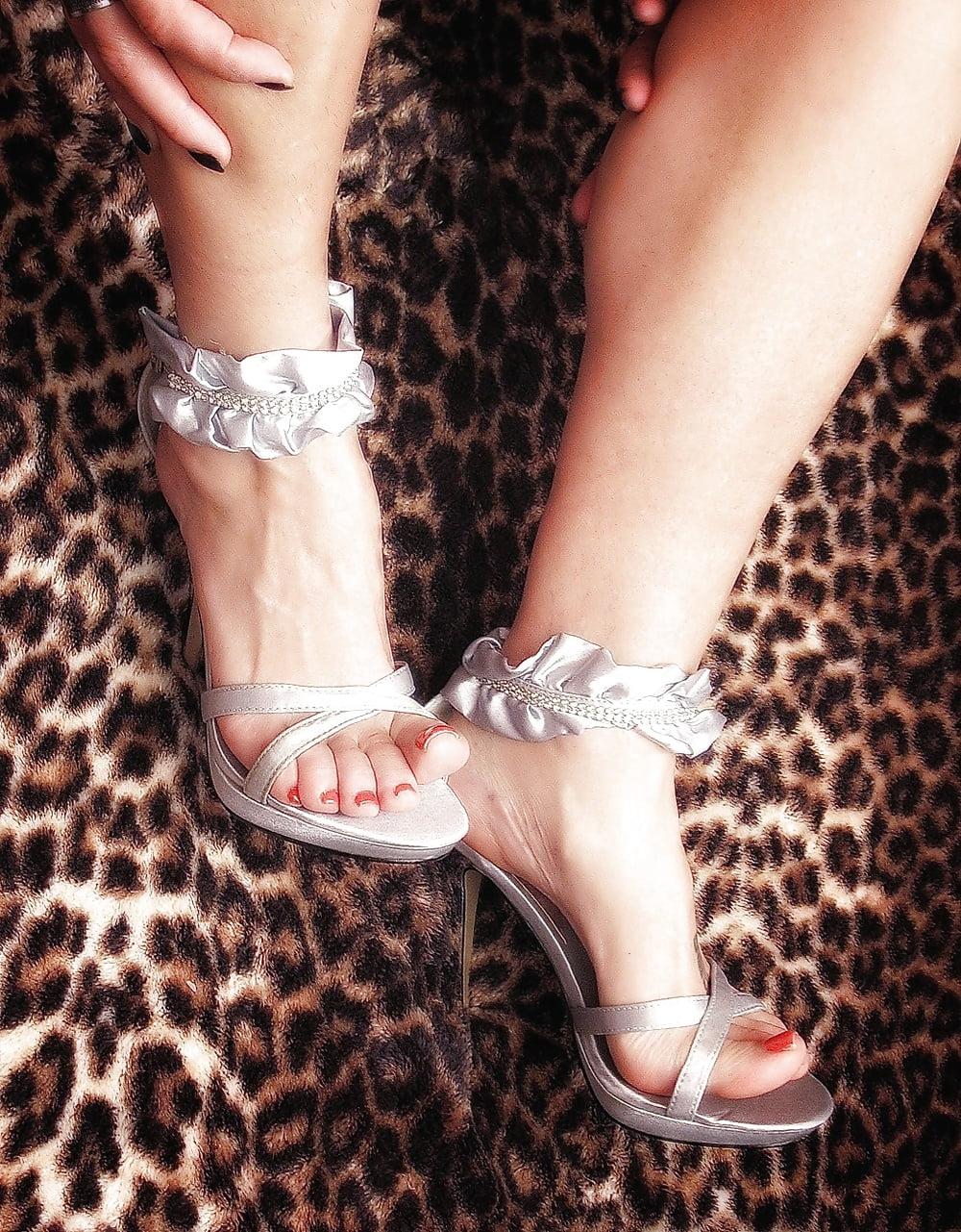 Hot bryci heels feet buxom heavy top