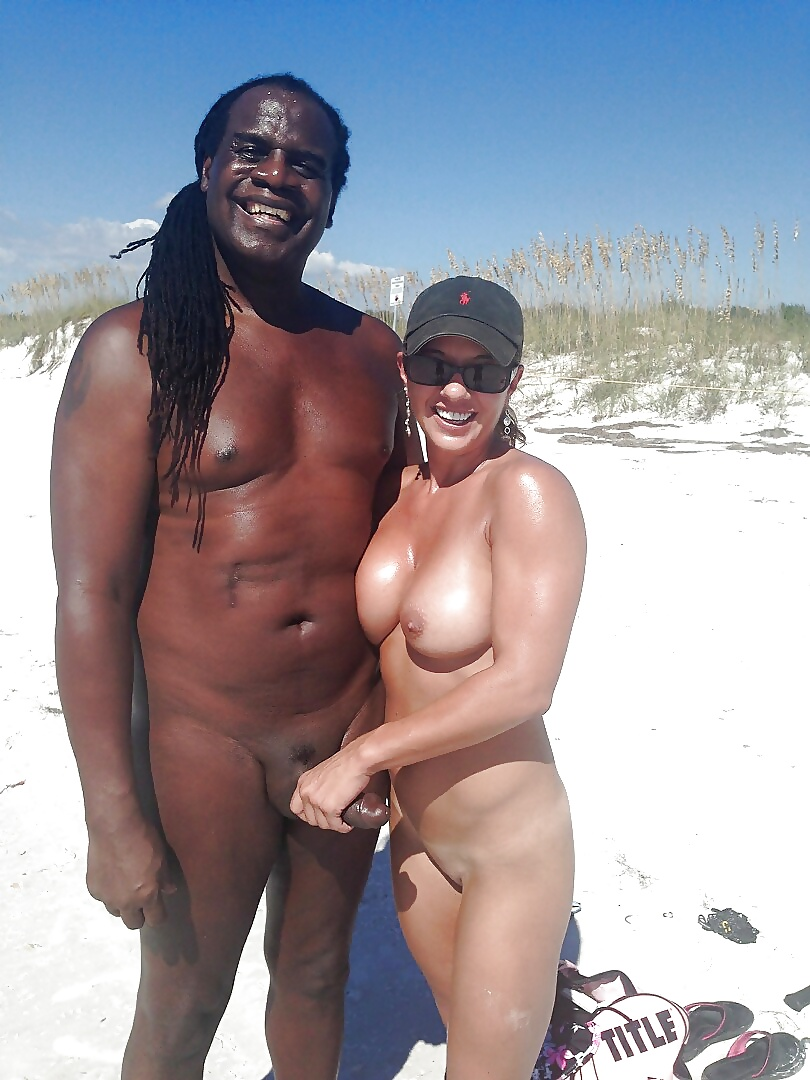 Interracial Vacation White Wives - 20 Pics - Xhamstercom-8489