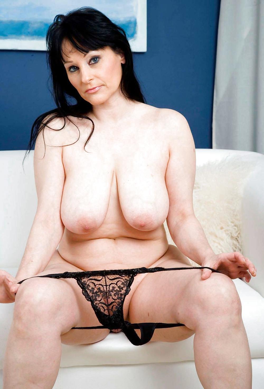 Mature mom tits-8486