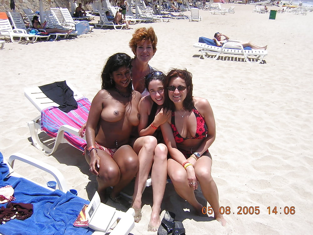 lesbian-women-nude-indian-chicks-on-beach