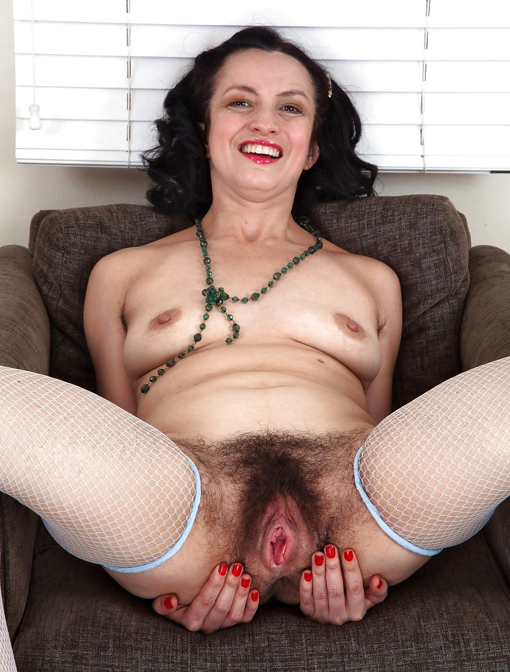 Hairy lestai cunt 5