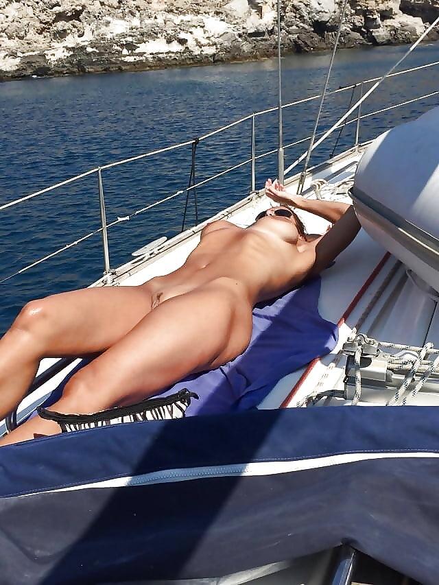 Best boat for sailing naked