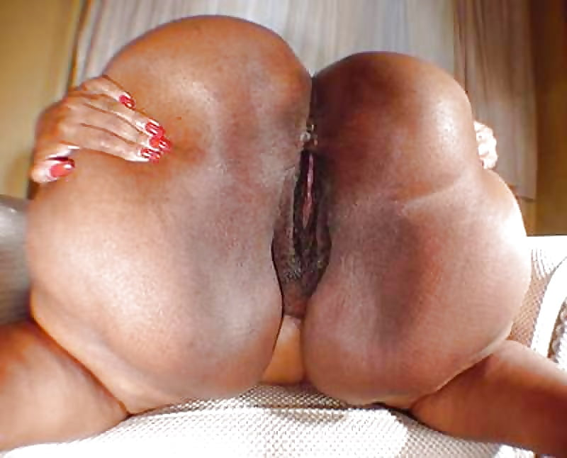 Fat black ass wet pussy