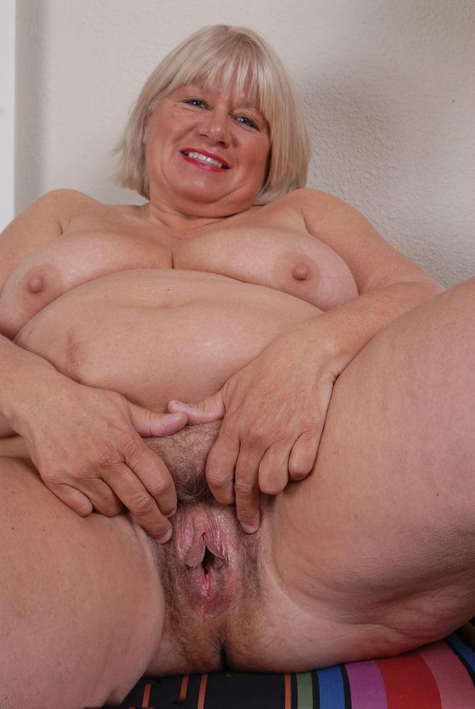 Видео толстые зрелые бабы вагины