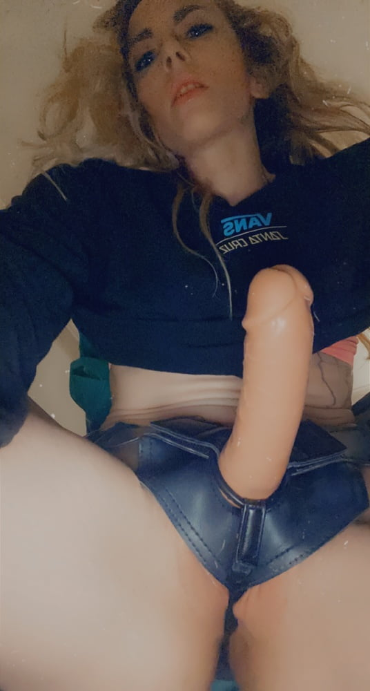 Strap on suduction fuck me and shove ur huge dick anywhere