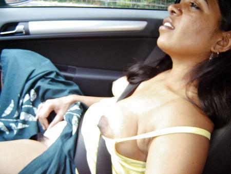 Desi Indian Milf Loves Exposing Herself Outdoors 2